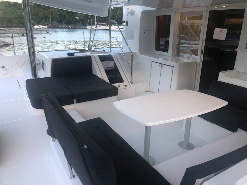 Lagoon 52 F with watermaker & A/C - PLUS (CAMANO)  - 3