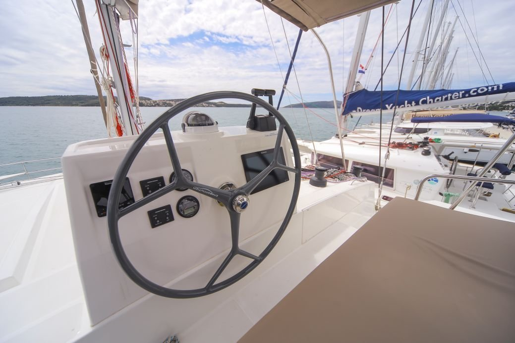 Bali 4.5 with watermaker & A/C - PLUS (TOKELAU)  - 16