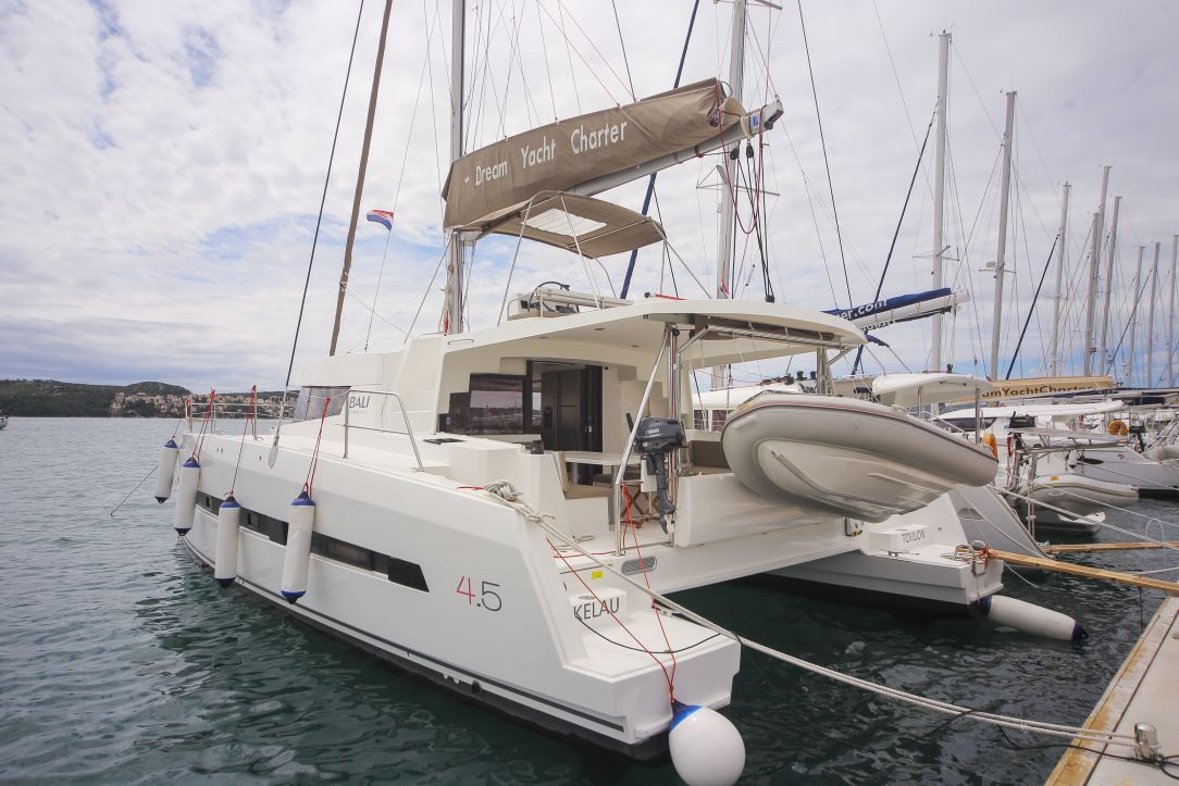 Bali 4.5 with watermaker & A/C - PLUS (TOKELAU)  - 1