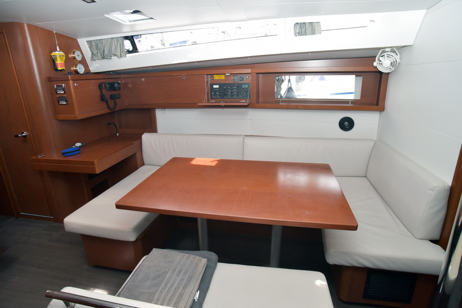 Oceanis 48 with A/C (DESROCHES)  - 20