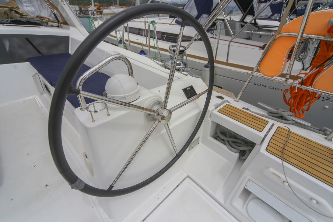 Oceanis 48 with A/C (ALDABRA)  - 16