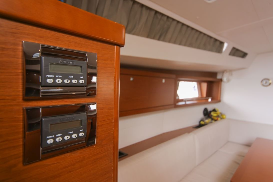 Oceanis 48 with A/C (ALDABRA)  - 5