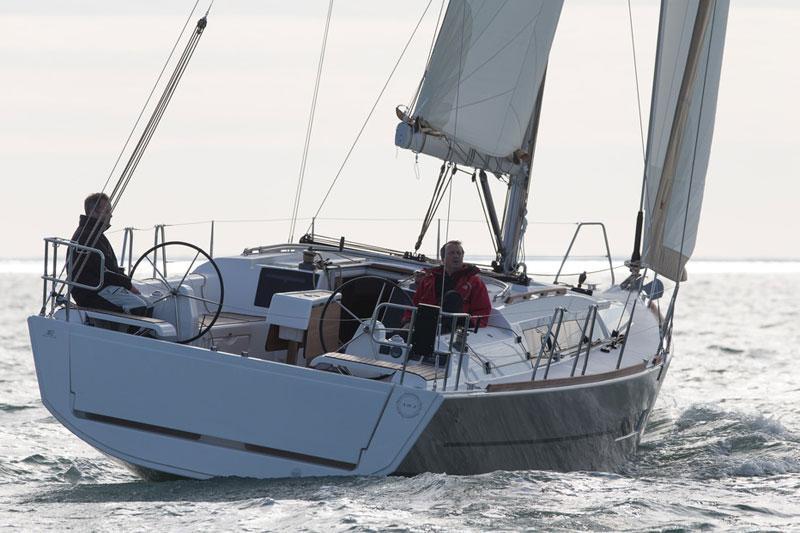 Dufour 382 Grand Large (Hamble Dream)  - 1