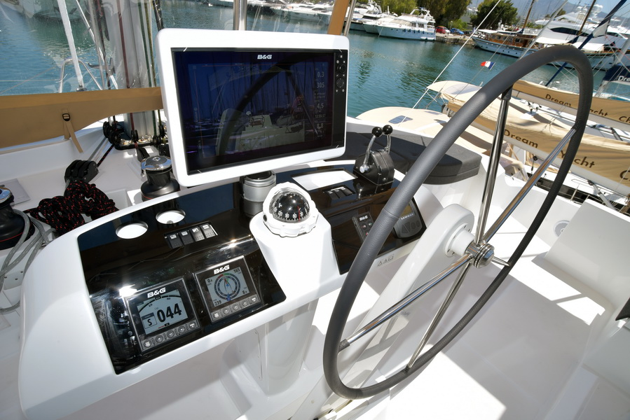 Lagoon 52 F with watermaker & A/C - PLUS (KARYSTA)  - 6