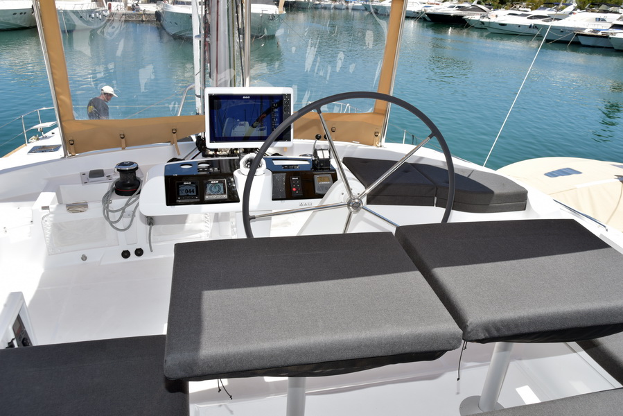 Lagoon 52 F with watermaker & A/C - PLUS (KARYSTA)  - 10