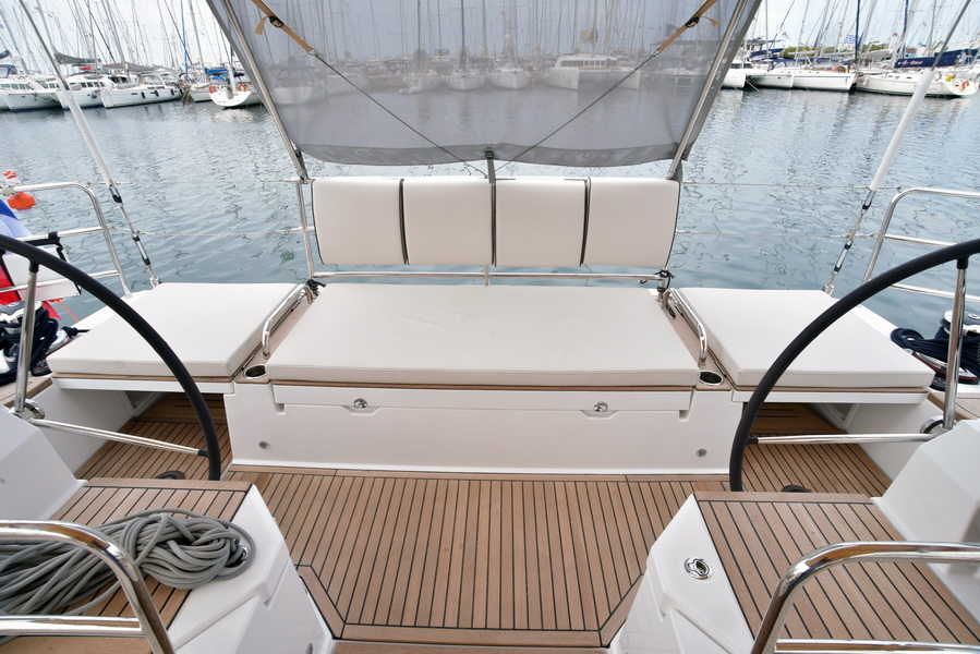 Oceanis 62 Skippered with A/C (BERNIE)  - 16