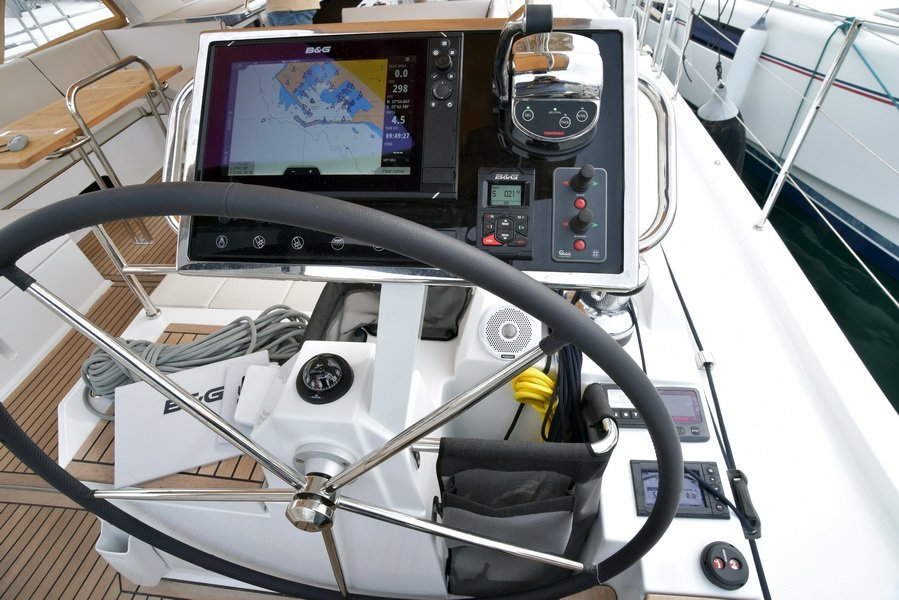 Oceanis 62 Skippered with A/C (BERNIE)  - 17