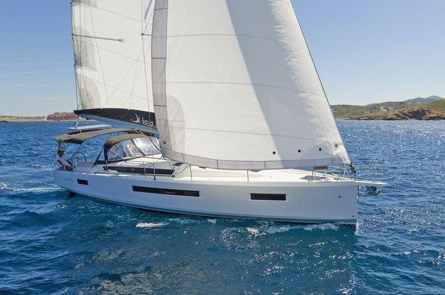 Sun Odyssey 490 (CAPTAIN GEORGE)  - 32