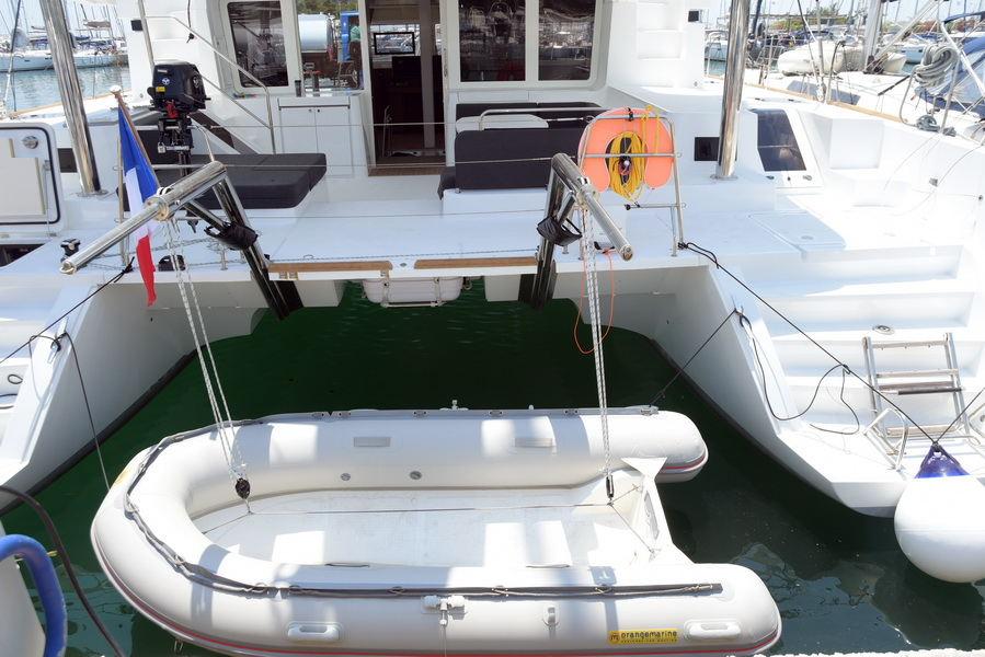 Lagoon 52 F with watermaker & A/C - PLUS (GULL)  - 24