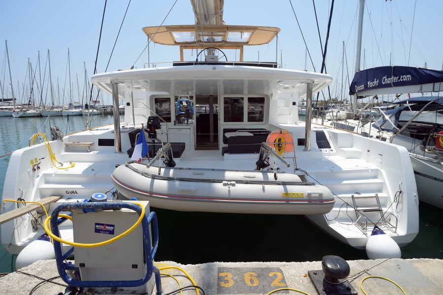 Lagoon 52 F with watermaker & A/C - PLUS (GULL)  - 27