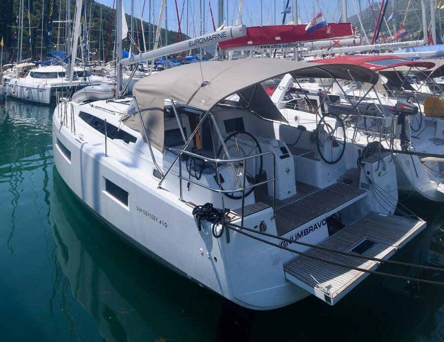 Sun Odyssey 410 (Signum Bravo)  - 2