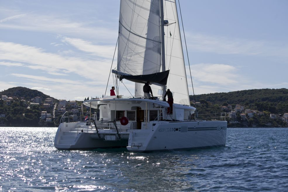 Lagoon 450 F with A/C (PIX)  - 2