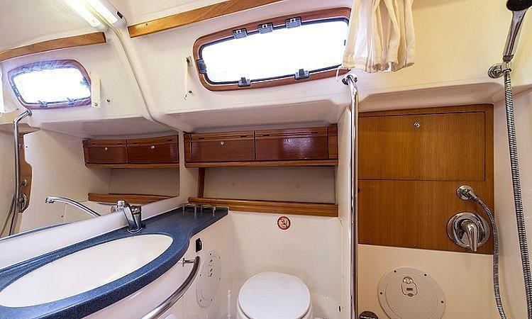 Bavaria 46 Cruiser (Notus)  - 12