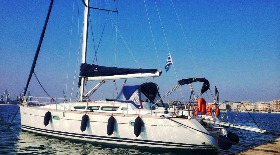Sun Odyssey 42i (Triton)  - 8