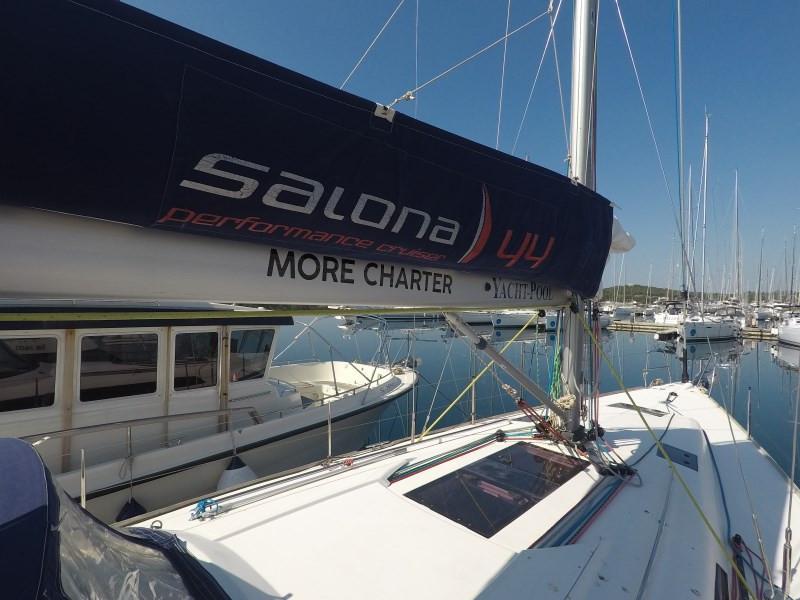 Salona 44 (MOON FLOWER 3)  - 26