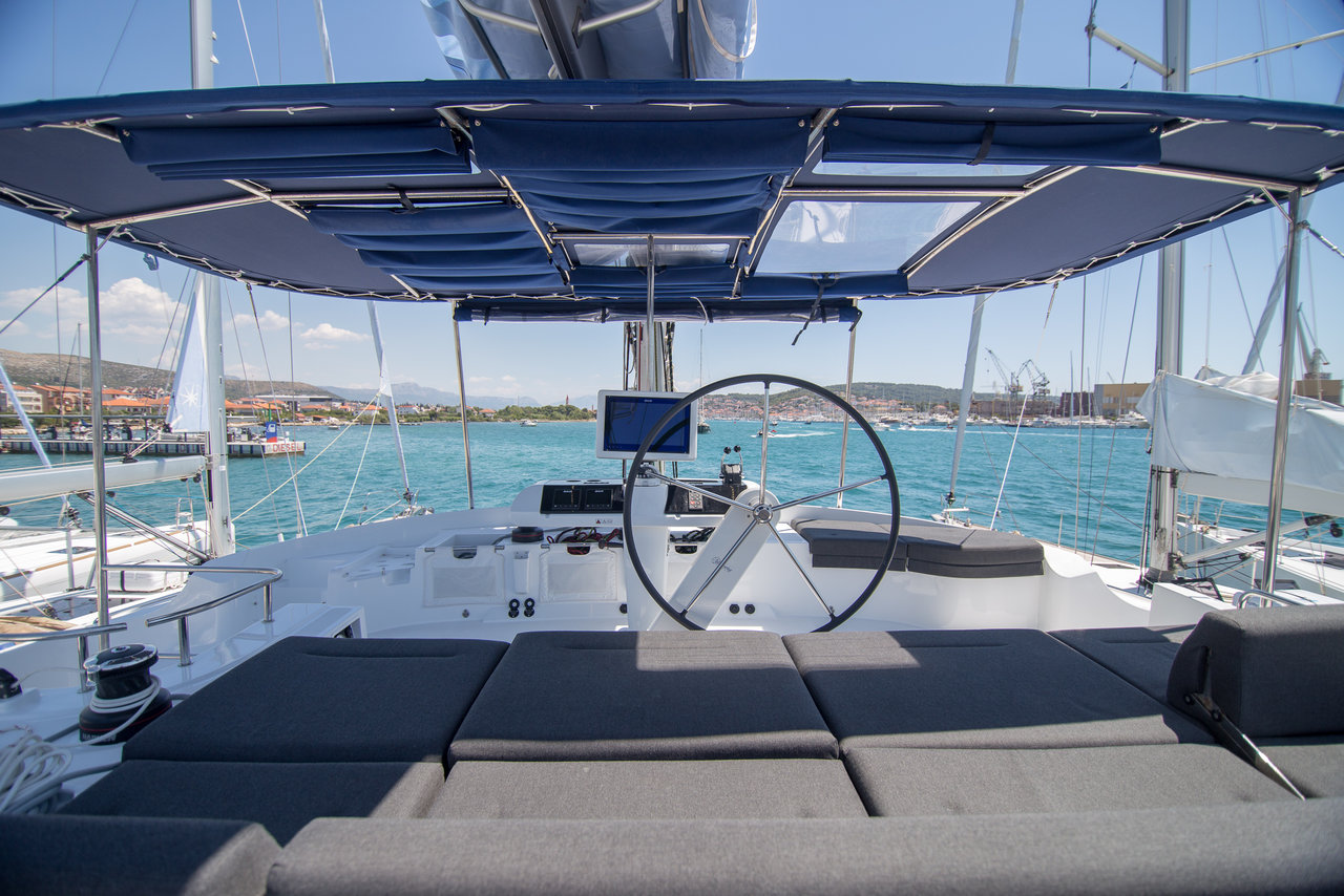 Lagoon 52 F (Current Venture)  - 5