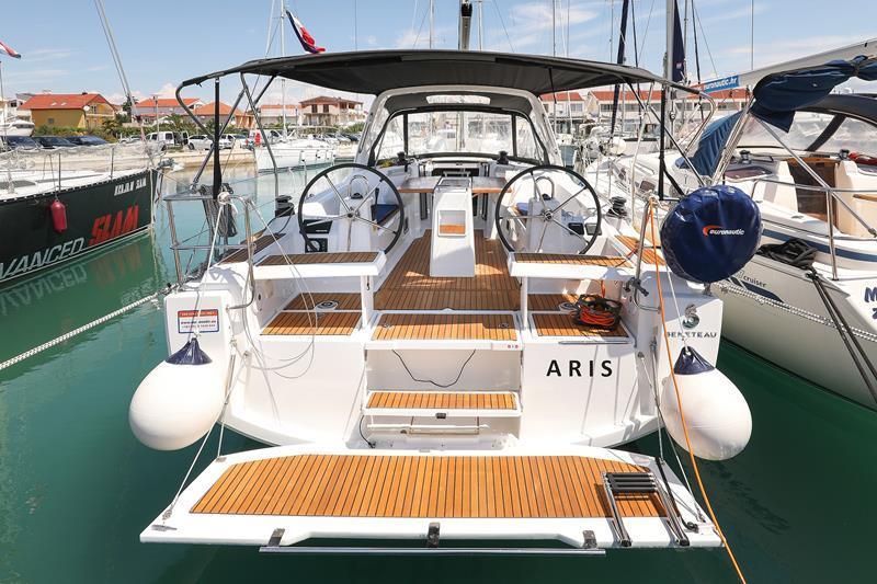 Oceanis 35.1 (Aris)  - 9