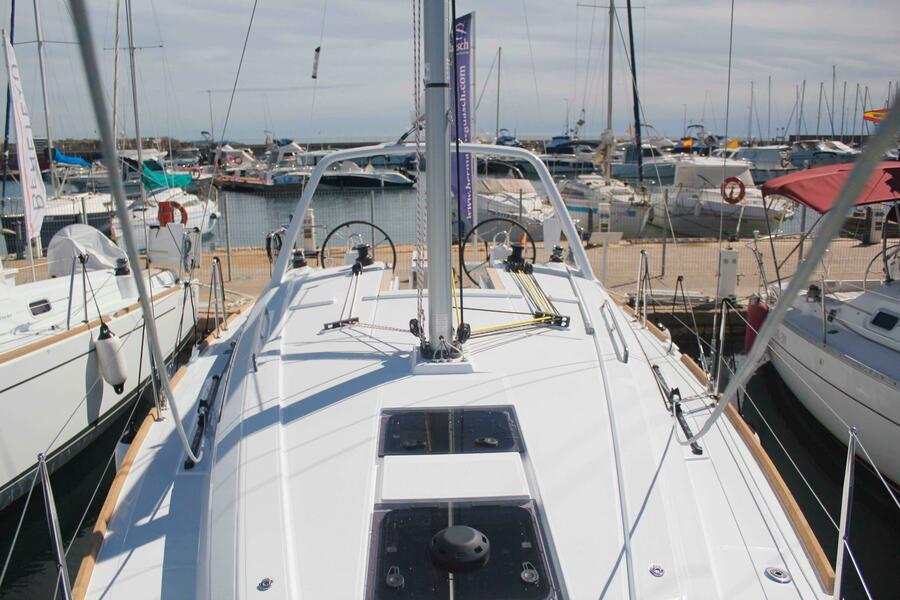 Oceanis 35.1 (LLAMPUGA)  - 3
