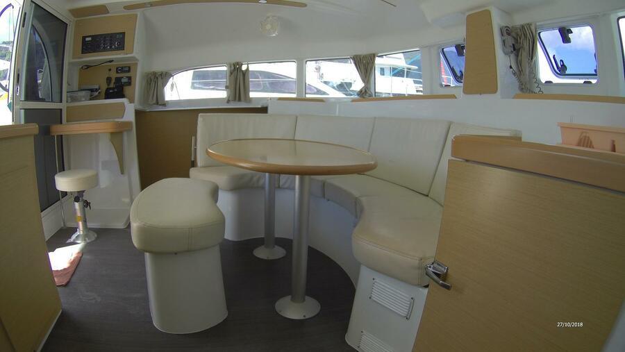 Lagoon 380 S2 (Modjo)  - 1