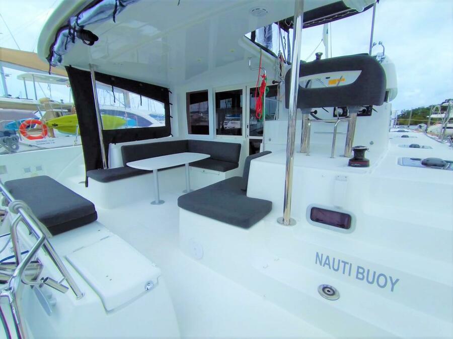 Lagoon 40 (Nauti Buoy)  - 21