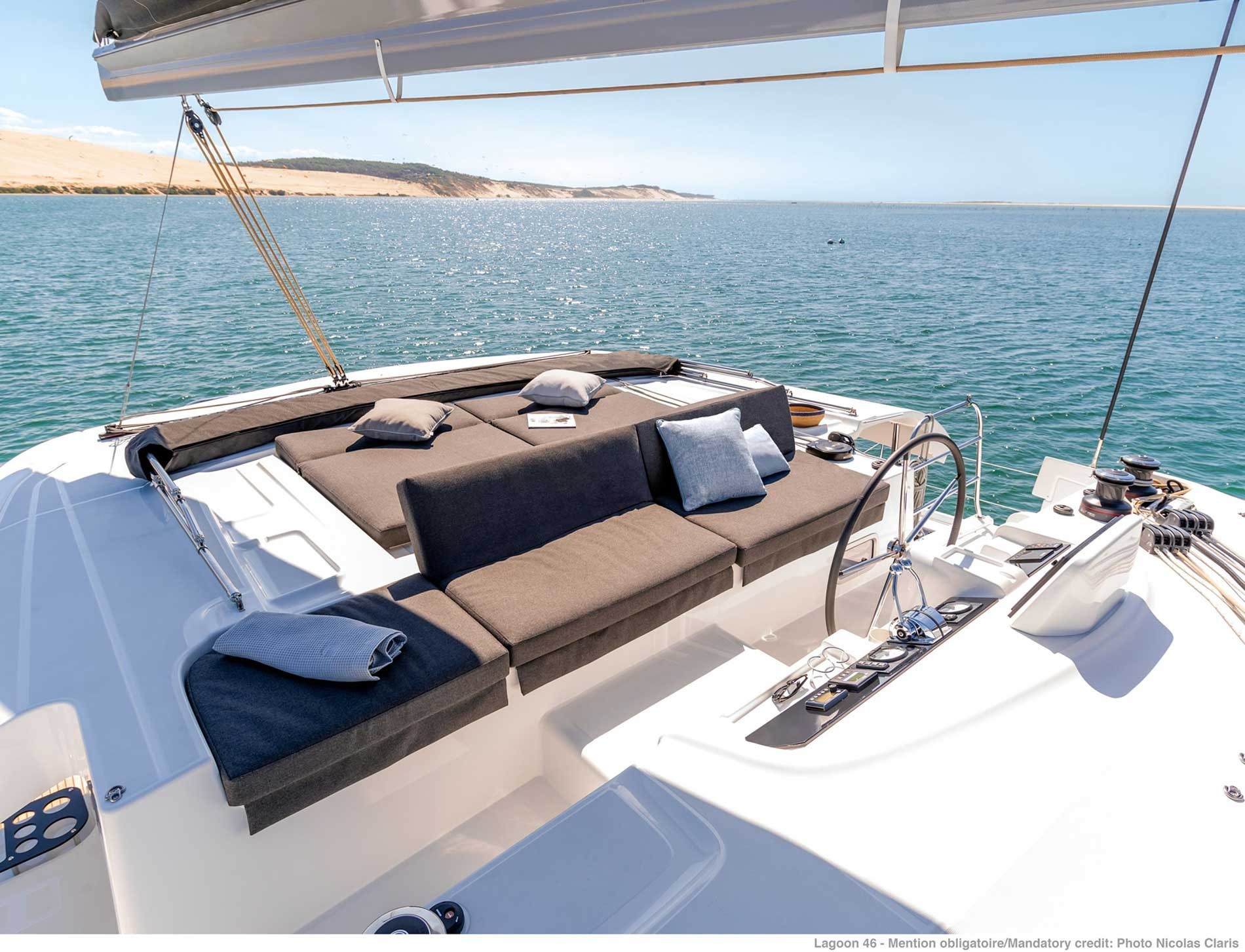 Lagoon 46 (GRAND BLUE (SKIPPERED ONLY))  - 3