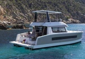 Types of motor yachts for charter