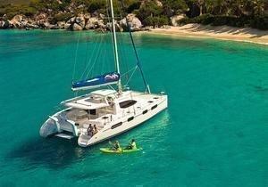 https://12knots.com/storage/app/media/seo_yachtcharter/bahamas-cabin-charters-1.jpg