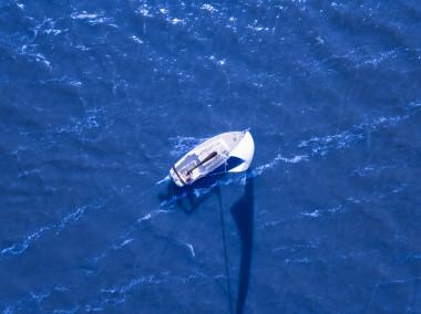 Blue water sailing practice daniel-kuruvilla-tSJc5U6f1M4-unsplash.jpg